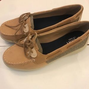 NEW Sperry womens loafers